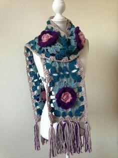 Beautiful scarf. Not my work.