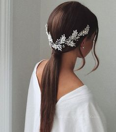 for bridesmaids Gorgeous Wedding Hairstyles For The Elegant Bride 1 - I Take You Wedding Hairstyles For Long Hair, Wedding Hair And Makeup, Bride Hairstyles, Hairstyle Ideas, Teenage Hairstyles, Hairstyle Wedding Bridesmaid, Wedding Accessories For Hair, Wedding Hair Jewelry, Chignon Updo Wedding