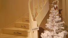 interiør hvitt Lace Wedding, Wedding Dresses, First Step, Colour, Fashion, Bride Dresses, Color, Moda, Bridal Gowns