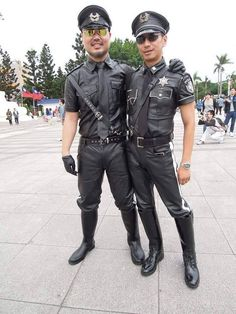 2015: BLUF men at Pride Taiwan ️‍. #LeatherPride #LeatherTW