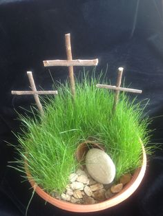 My Meaningful Easter Garden He Is Risen Indeed, Easter Prayers, Prayer Garden, Easter Activities For Kids, Easter Garden, Prayer Closet, Prayer Times, Crafts To Make, Make It Simple