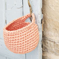 For this pattern You will need: – 1 skein Ribbon Yarn & a crochet hook nr 6 (US – A stitch marker. -The basket will… Crochet Cross, Crochet Yarn, Free Crochet, Yarn Projects, Crochet Projects, Crochet Storage, Ribbon Yarn, Crochet Home Decor, Hanging Baskets