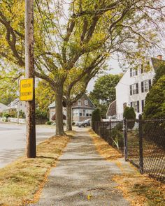 Documenting Autumn in Bristol, RI with a Wide Angle Lens. – The Q Perspective