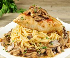Created by Chef Justin Paruszkiewicz, our delicious Chicken Marsala will envelope you in juicy, flavorful side of chicken and pasta. Mushrooms, cilantro, fresh garlic, and a little sauce makes this delicious dish as simple as it is succulent. Soy free and nut free, healthy in its ingredients and portions, this meal is one of our very best.