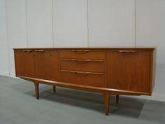 Jentique 1960 dressoir