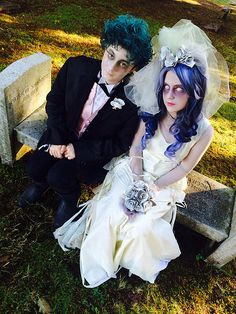 Dress up in a Tim Burton inspired Emily Corpse Bride costume, use this tutorial to put together gown, veil, wig and flowers. Halloween Cosplay, Cosplay Costumes, Halloween Costumes, Best Cosplay, Awesome Cosplay, Emily Corpse Bride, Corpse Bride Costume, Disney Face Characters, Bride Groom