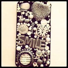Cute phone case. glitter + buttons