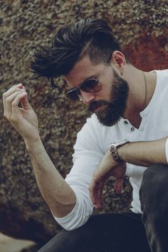 Full Beard with Undercut - Sexy Hipster Beard Styles: Hottest Hipster Facial Hair Styles Beard Styles For Men, Hair And Beard Styles, Hair Styles, Sexy Beard, Beard Tattoo, Beard No Mustache, Haircuts For Men, Men Hairstyles, Viking Hairstyles