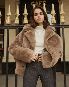 This faux fur coat is inspired by vintage mink coats with its short, loose fit. The Kooples is offering up a vegan-friendly version in caramel tones that showcase its silky texture. The double breasted design means this coat can be buttoned up at the fron Brown Faux Fur Coat, Faux Fur Jacket, Tutu, Jean Outfits, Cute Outfits, Fur Coat Outfit, Grunge, Outfit Trends, Outfit Ideas