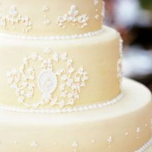 I wouldn't have even thought about this...Most Popular Cake Cutting Songs - Project Wedding