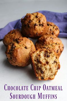 These chocolate chip sourdough muffins are a delicious and nutritious way to start your day! They are quick easy and full of oatmeal and whole wheat goodness yet they are soft and yummy. Sourdough Muffin Recipe, Sourdough Starter Discard Recipe, Sourdough Recipes, Bread Starter, Sourdough Bread, Chocolate Chip Muffins, Chocolate Chip Oatmeal, Cobbler, Dessert Aux Fruits