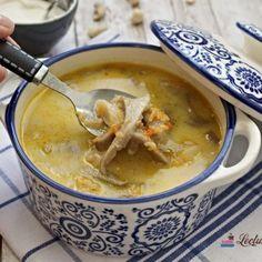Ciorbă de Pleurotus de post. Ciorbă de burtă vegană. Supe, Raw Vegan, Cheeseburger Chowder, Ethnic Recipes, Food, Cream, Essen, Meals, Yemek