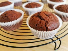 Muffins au chocolat sans gluten Muffins, Cacao, Mousse, Breakfast, Food, Gluten Free Chocolate, Rice Flour, Fruits And Veggies, Sugar