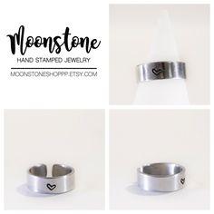 *Oggi riapre Moonstone shop!* Partiamo con questa bellissima fedina regolabile e personalizzabile con la parola, data o simbolo che avete più a cuore!  Potete acquistarla qui ⇩                              ⇩ 🌙https://www.etsy.com/it/shop/moonstoneshoppp  ---------------------------------------  🌙https://www.facebook.com/moonstoneshoppp 🌙https://www.instagram.com/silvia.pantieri/