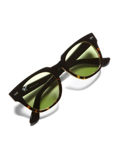 Ray ban sunglasses 2016 for men Must be Remember it! Ray Ban Sunglasses Sale, Sunglasses Outlet, Sunglasses Online, Cheap Sunglasses, Sunglasses 2016, Wayfarer Sunglasses, Gentleman, Look Fashion, Mens Fashion
