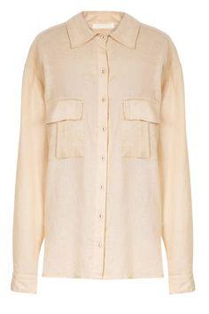 CAMISA DE LINHO DAKKA  Camisa em linho, gola de ponta, manga longa, punho fechado em botão, 2 fendas laterais, 2 bolsos e abotoamento frontal. Composição: 55% Viscose 45% Linho