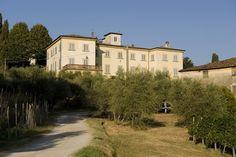 historic period Villa for sale in Tuscany. www.lucaevillas.it