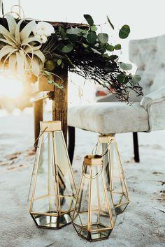 Edgy High-Fashion Wedding Inspiration at Great Salt Plains State Park Metallic and geometric decor is a modern wedding essential Edgy Wedding, Modern Wedding Flowers, Eclectic Wedding, Modern Wedding Inspiration, Perfect Wedding, Wedding Styles, Rustic Wedding, Wedding Ideas, Wedding Set