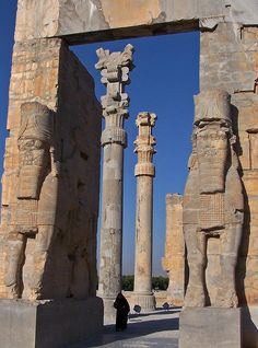 dientes-de-leche: Gate of all Nations, Persepolis, Iran (by Sebastià Giralt)