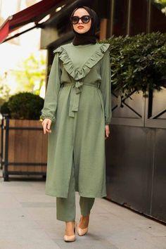 Muslim Dress, Hijab Dress, Stylish Kurtis Design, The Dress, Hijab Fashion, Nevada, Evening Dresses, Pants For Women, Shirt Dress