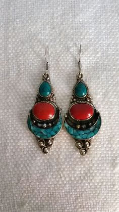 Boucles d'oreilles ethniques - Turquoise / Corail - Fait main - Par VintageSoukCréations