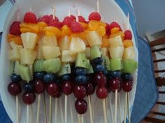 So easy for some tea party food :).this is the first time I have ever pinned something! Looks like a healthy and fun snack! Girls Tea Party, Tea Party Birthday, Bridal Party Foods, Fruit Kebabs, Fruit Salad, Healthy Afternoon Snacks, Healthy Snacks, Rainbow Fruit, Colorful Fruit