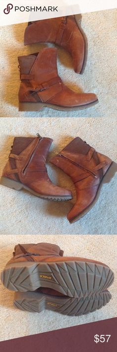 Women's Teva leather boots size 8 M. Women's leather Teva boots size 8 medium width. The boots are in good condition with some wear. There are a few scratches on the leather. Could probably buff the scratches out. Could use a slight cleaning. Smoke free home. Teva Shoes