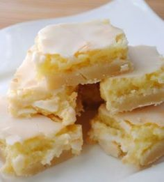 Sunburst Lemon Bars recipe featured on DesktopCookbook. Ingredients for this Sunburst Lemon Bars recipe include Crust- 2 cups flour, cup powdered sugar, 1 cup butter, softened, and 1 tsp grated lemon peel. Create your own online recipe box. Yummy Treats, Sweet Treats, Yummy Food, Fun Food, Delicious Cookies, Lemon Recipes, Sweet Recipes, Healthy Recipes, Lemon Desert Recipes