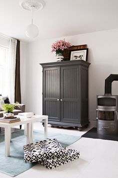 Gorgeous charcoal grey....this might be the colour I'm looking for...  Painted Furniture.