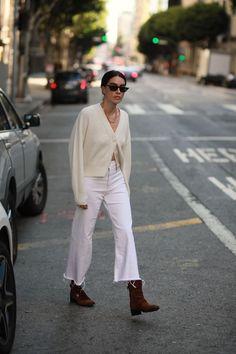 Cool 38 Beautiful Winter Women Street Style Ideas That Will Inspire You Basic Fashion, Minimal Fashion, Spring Summer Fashion, Autumn Winter Fashion, Printemps Street Style, Winter Stil, Mode Inspiration, Street Style Women, Women's Street Style