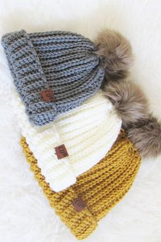 Try this free crochet ribbed beanie pattern that is easy enough for beginners. The unisex pattern comes in multiple sizes, baby, toddler, kids, woman, and man. The crochet ribbing stitch is simple to work and has a gorgeous braided look. #crochetribbedbeanie, #crochetribbedbeaniepatternfree, #crochetbeaniepattern, #crochethatpattern, #crochet Ribbed Crochet, Easy Crochet Hat, Crochet Baby Hat Patterns, Crochet Shawls And Wraps, Crochet Baby Hats, Crochet Stitches, Free Crochet, Crochet Hippo, Crochet Ideas