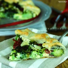 Torta di sfoglia con broccoli e bresaola http://blog.giallozafferano.it/passionecooking/torta-di-sfoglia-con-broccoli-e-bresaola/