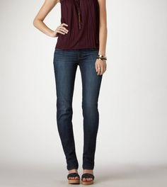 Shop American Eagle for Women's Jeans that look as good as they feel. Browse high-waisted, skinny, curvy, cropped & jegging fits in different denim washes and stretch levels to find your new favorite. Mens Outfitters, Eagle Outfitters, Fall Outfits, Cute Outfits, Fall Lookbook, Fall Fashion Trends, Lounge Wear, Autumn Winter Fashion, Clothes For Women