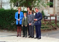 6/09/95 PRINCESS DIANA,PRINCE CHARLES,PRINCE WILLIAM,PRINCE HENRY & HOUSEMASTER DR.ANDREW GAILEY AS PRINCE WILLIAM BEGINS ETON COLLEGE