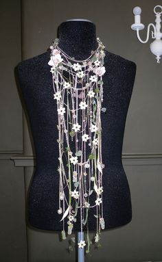 flower necklace by Joe Massie