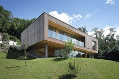 Haus DB Klaus — ARCHITEKTUR Jürgen Hagspiel Style At Home, Greece House, Haus Am Hang, Concrete Wood, House On A Hill, Building A House, Shed, New Homes, Canada