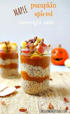 Vegan + GF No-Cook Maple Pumpkin Spiced Overnight Oats in a jar with added superfood chia seeds and maca powder for an extra boost. A healthy, picture-worthy, delicious and fall-inspired on-the-go breakfast! From The Glowing Fridge.