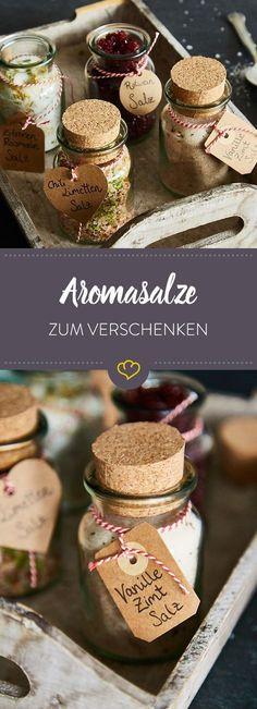 Das Geschenk für echte Gourmets: Mit Rotweinsalz, Vanille-Zimt-Salz, Zitronen-Rosmarin-Salz und Chili-Limettensalz liegst du sicher goldrichtig.