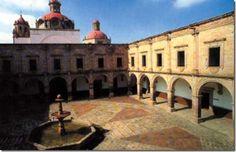 Morelia,  palacio clavijero