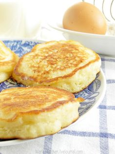 Оладьи дрожжевые - Home is in the kitchen — LiveJournal Ukrainian Recipes, Russian Recipes, Good Food, Yummy Food, Galette, Sweet Recipes, Baking Recipes, Food To Make, Breakfast Recipes