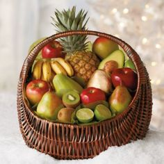 Fresh Fruit Gift Basket Deluxe | Gift Baskets & Towers | Harry & David
