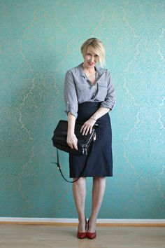 A fashion blog for women over 40 and maturre women http://www.glamupyourlifestyle.com/  Blouse: Zara Skirt: Cos Shoes: Noe Bag: Coccinelle