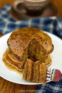 Fluffy Gingerbread Pancakes @CrunchyCreamySw