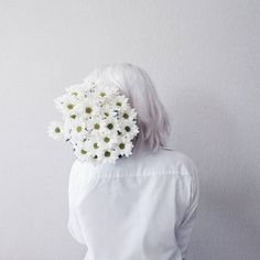 Daisies are for dreamers! #daisy #white #floraldecoration #inspiration