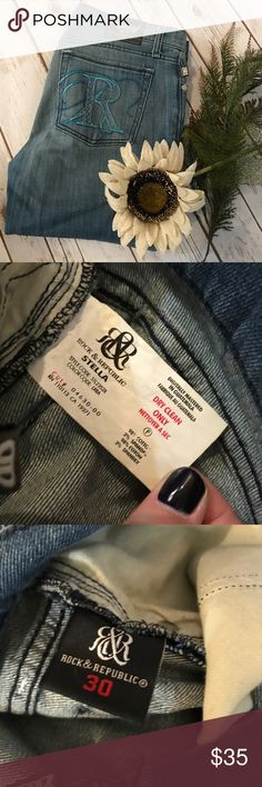 """Rock & republic Stella straight leg jeans size 30 Very good used condition. Straight leg jeans. Some stretch. 34"""" inseam. Rock & Republic Jeans Straight Leg"""