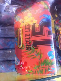 ¡Dinos tu opinión sobre este producto! Te gusta = Dale ♥ Te encanta = Pin It Quieres saber saber más, tener descuentos y saber cuando este producto salga a la venta: www.facebook.com/pages/Glowsy/1444276232559700