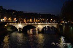 Paris VI Saints, Pont Des Arts, Paris France, Santos