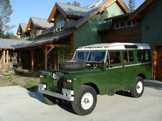 1962 Land Rover.  Seats 10 and has a reliable Chevy Vortec V8 and trans.  Smart and Cool!