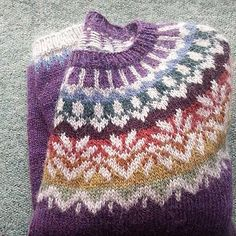 Icelandic Lopapeysa sweater - finished! - Happymaking Designs - for happymaking designs