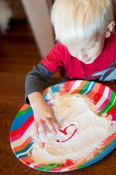 Flour sensory play is super simple messy hands-on fun! Learn how to set up this easy sensory activity. Then make cleanup fun with easy ideas to get the kids involved. Motor Activities, Sensory Activities, Hands On Activities, Sensory Play, Toddler Activities, Letter Activities, Fun Snacks For Kids, Crafts For Kids, Toddler Preschool
